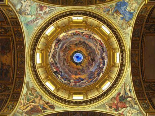 Cupola_of_Sant_Andrea_della_Valle,_Rome_-_Dimitry_B